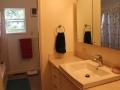 903-bates-bathroom